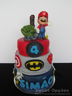 O Super Mario juntou-se aos Super Heróis no 4.º aniversáro do Simão