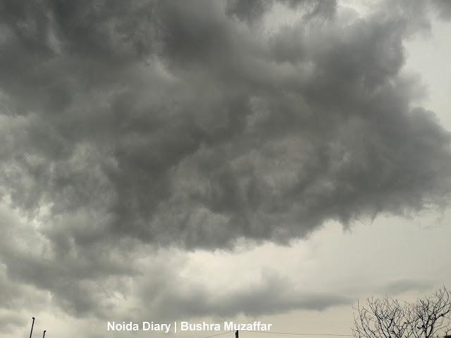 Rains in Noida