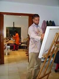 Alumnos pintando