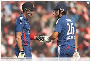 Kevin-Pietersen-Alastair-Cook-4th-ODI-INDIA-vs-ENGLAND-MOHALI