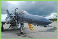 La Fuerza Aérea Colombiana quiere incorporar un nuevo entrenador biplaza Kfir