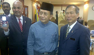 Gambar Rais Yatim Isu Rogol Amah Indonesia