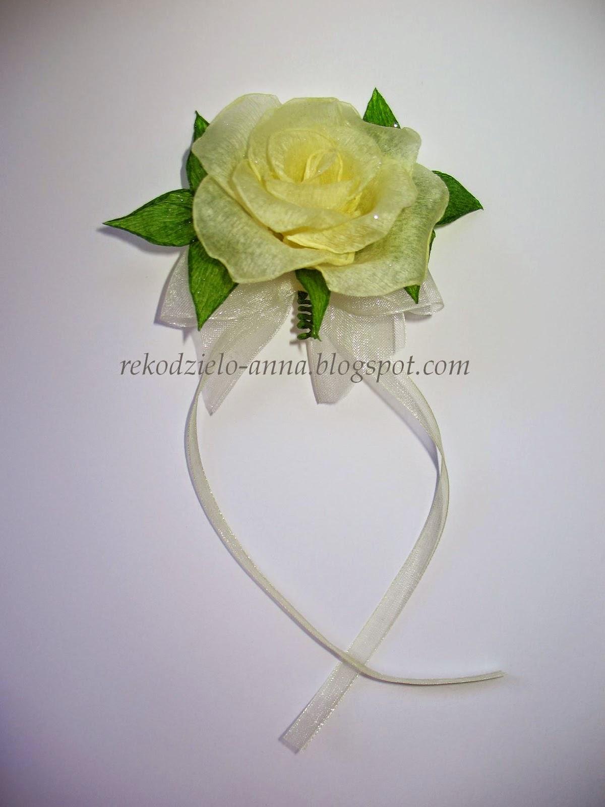Kotylion na rękę  – róża wywijana