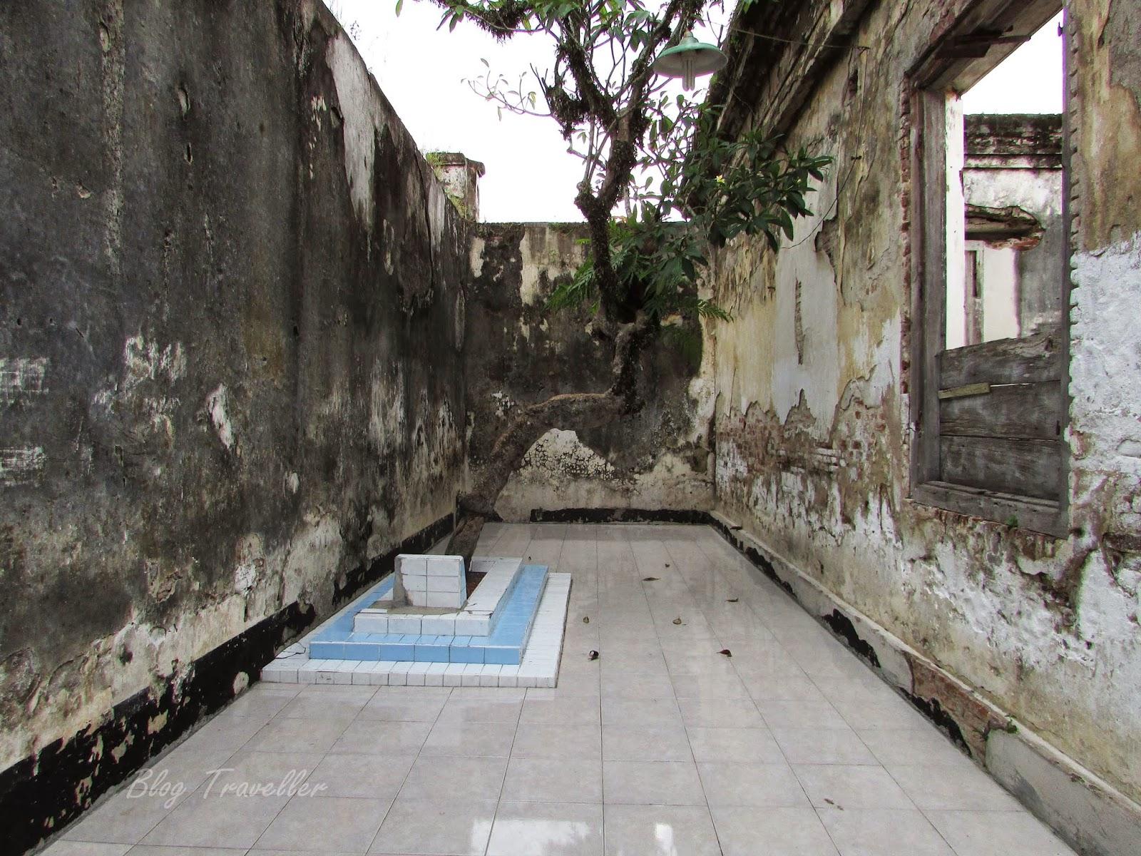 Makam KH Muhammad Nursalim