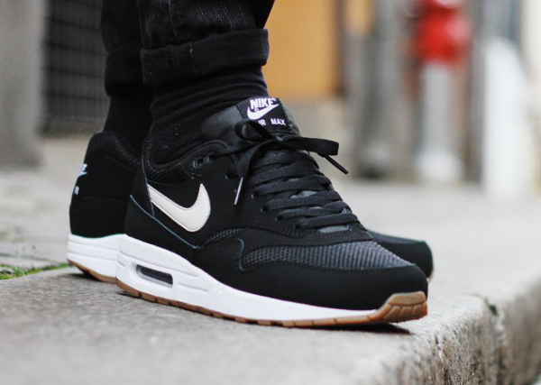 super cute 2f10b 41c23 Nike Air Max 1 Essential Black And Gum