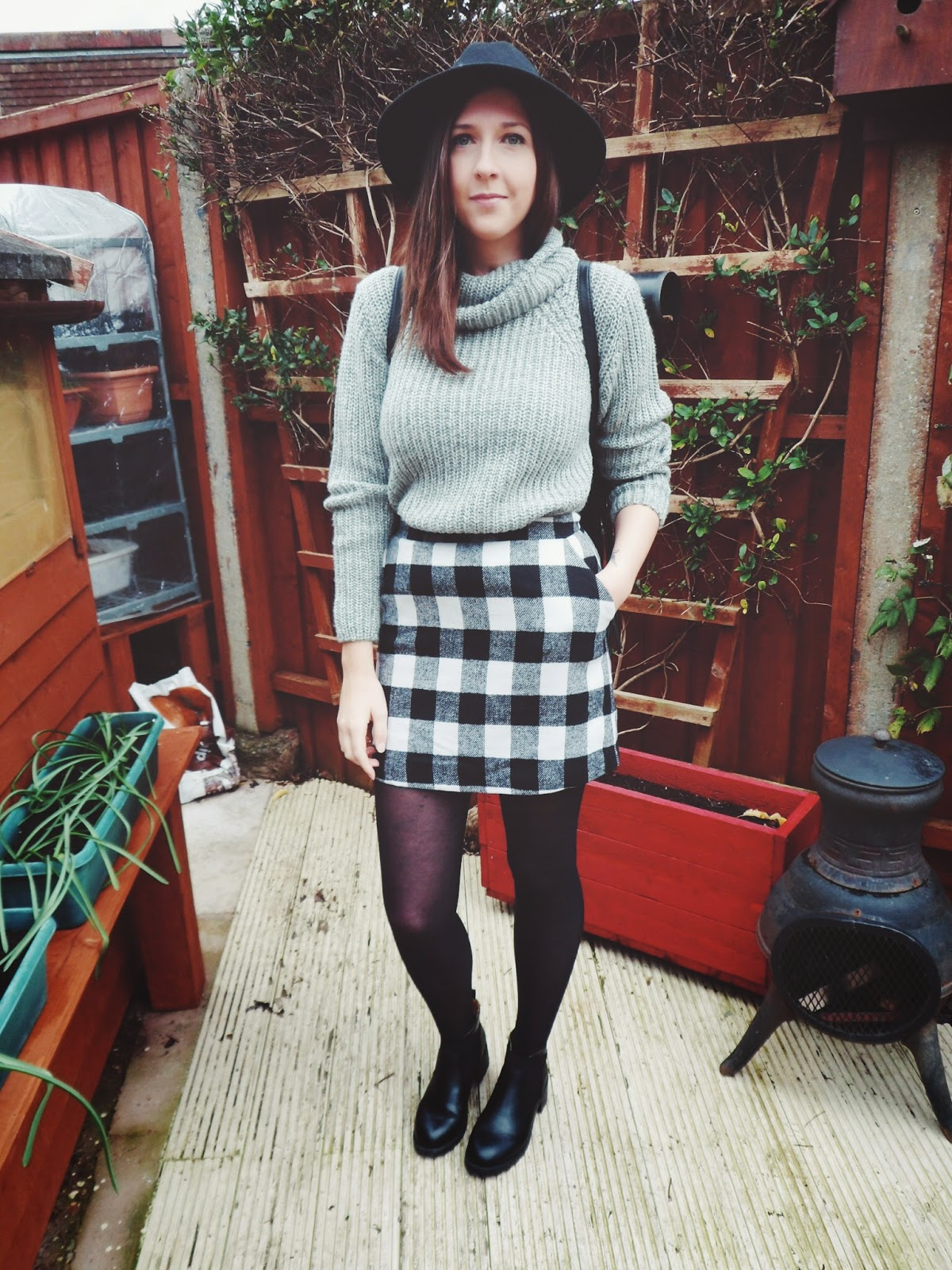 fbloggers, fashionbloggers, fblogger, fashion, win, whatimwearing, whatibought, asseenonme, matalan, primark, newlook, blackandwhite, alineskirt, rollneckjumper, fedora, lotd, lookoftheday, ootd, outfitoftheday