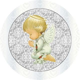 Angel con fondo plateado.