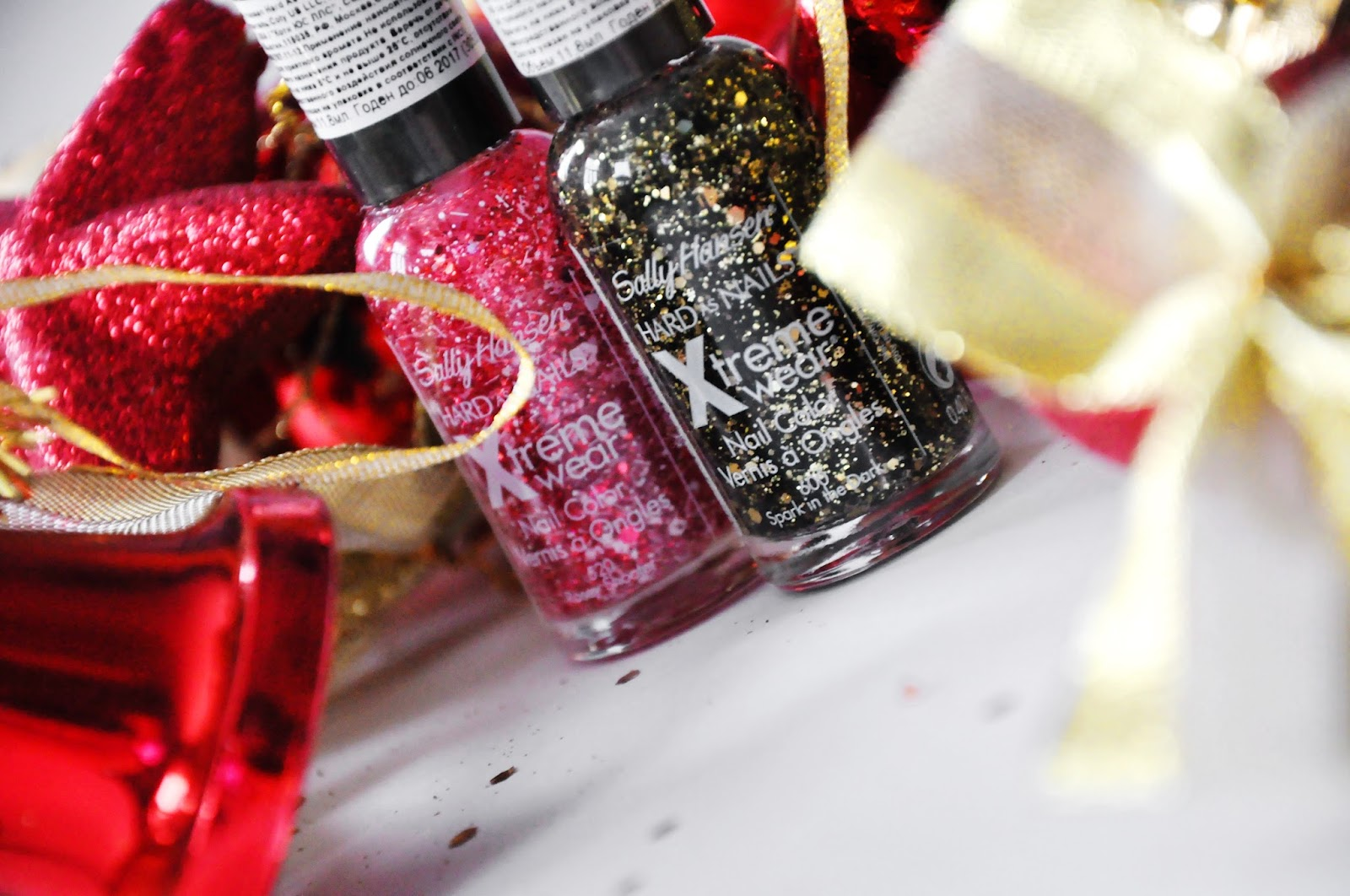 SALLY HANSEN Xtreme wear for Christmas 2013 #520 Rosey Shooter #600 Spark in the Dark