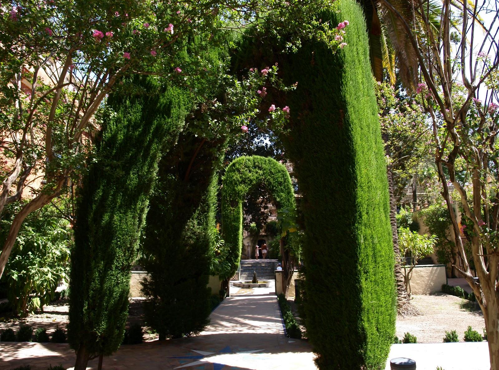 Sevilla daily photo alc zar 27 el jard n de la danza for Jardines del eden sevilla