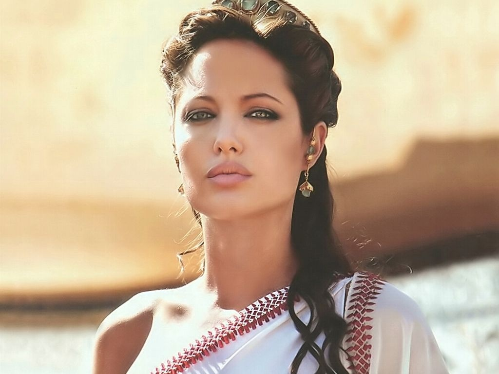 http://1.bp.blogspot.com/-dlZNwV8VwAk/Thw7CCmNMwI/AAAAAAAAEHA/wHGTQMLvH5Y/s1600/WWW+Angelina+Jolie+Wallpapers+1.jpg