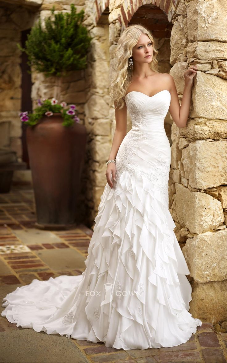 Bridal Gowns in Australia, Australian Wedding Dress Designers, Wedding Dresses Made in Australia, Online Wedding Dresses Australia, Australian Dresses Online, Essence Australia Wedding Dresses, AU Bridal Gowns Reviews, Essence of Australia Price Range