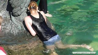 HD video! Cirls in Black - wetlook