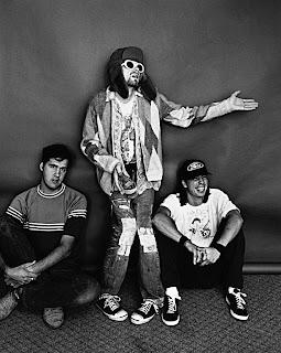 nirvana, kurt cobain, grunge, estilo grunge, moda grunge, flanelas, como usar flanelas, calças rasgadas, dave grohl