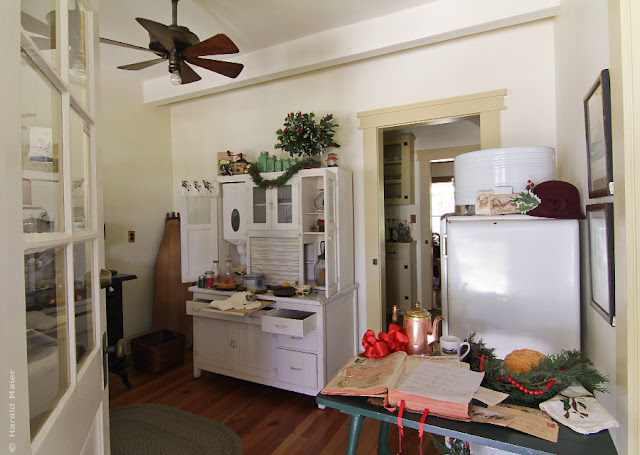 Küche weiss Holz historisch