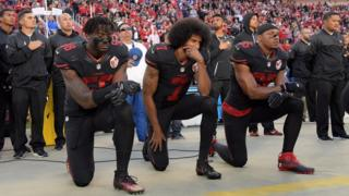 Como protesto de jogador contra o racismo se espalhou e virou ato anti-Trump - BBC Brasil