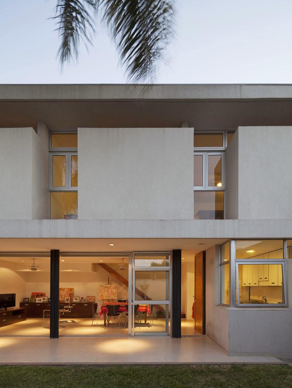 Desain Rumah 2 Lantai Minimalis Dengan Tata Letak Terbuka Yang