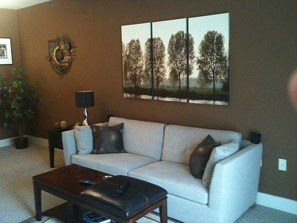 What color walls go with brown furniture colors for for Brown paint ideas for living room