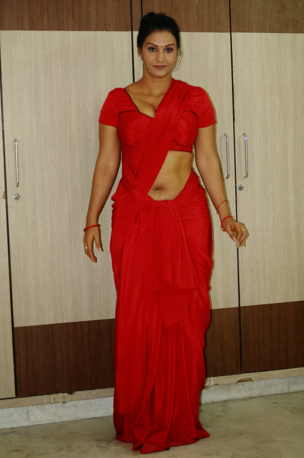 navel show photo stills in red saree apoorva hot cleavage and navel ...
