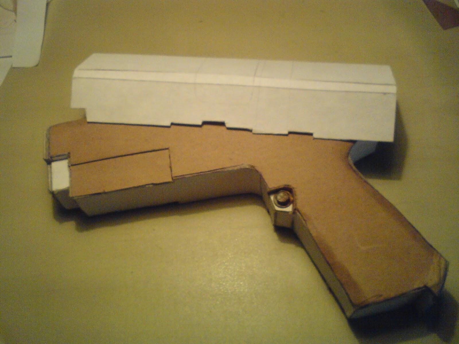 Pistola Blacktail - Resident Evil DSC04420
