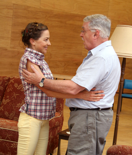 Sara Gleeson with Max Gillies in rehearsal