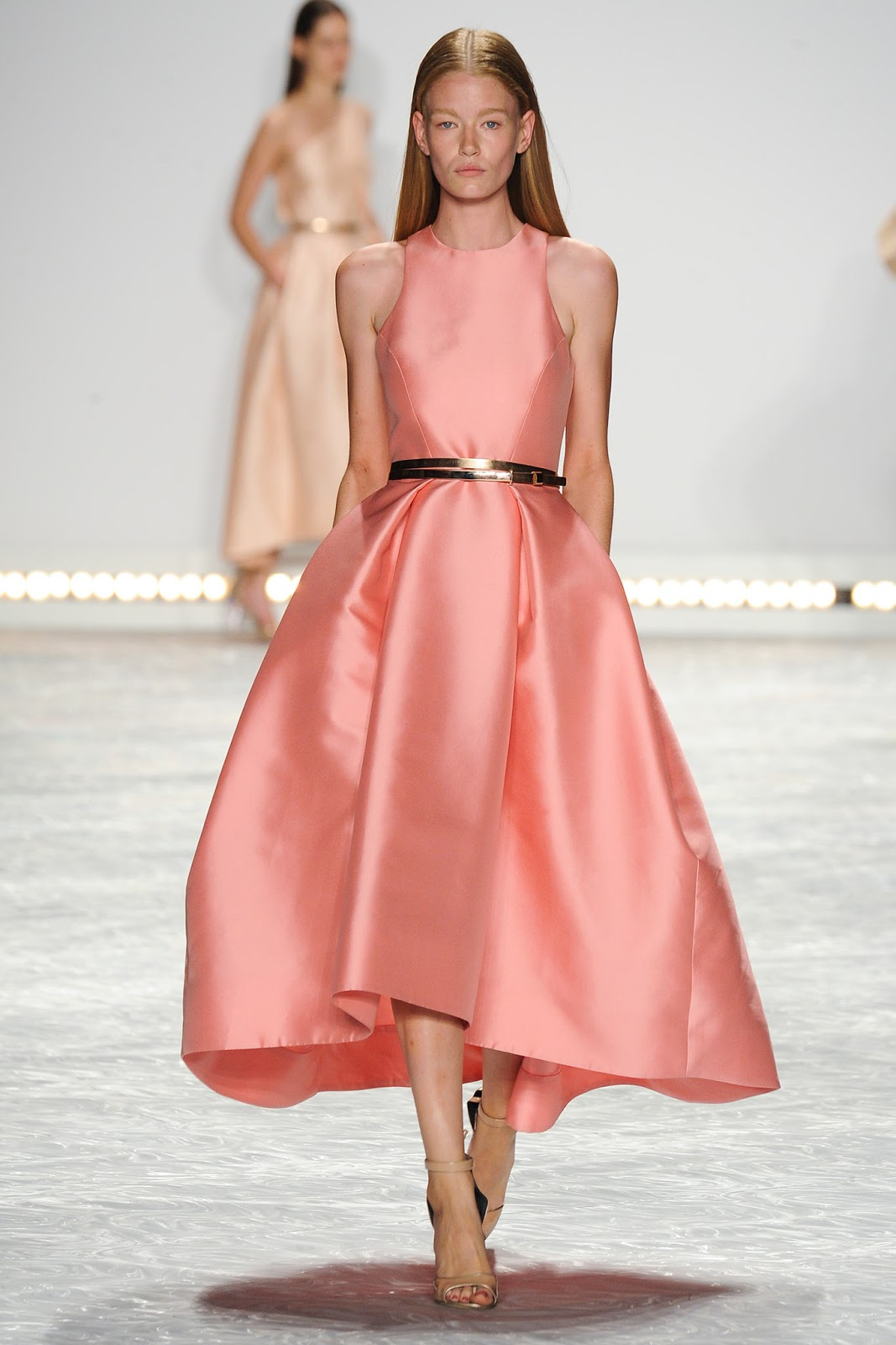 Pantone colour trend report 2015 / strawberry ice on a runway at Monique Lhuillier Spring/Summer 2015 via fashioned by love brutish fashion blog