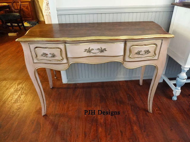 French Provencial Desk Makeover
