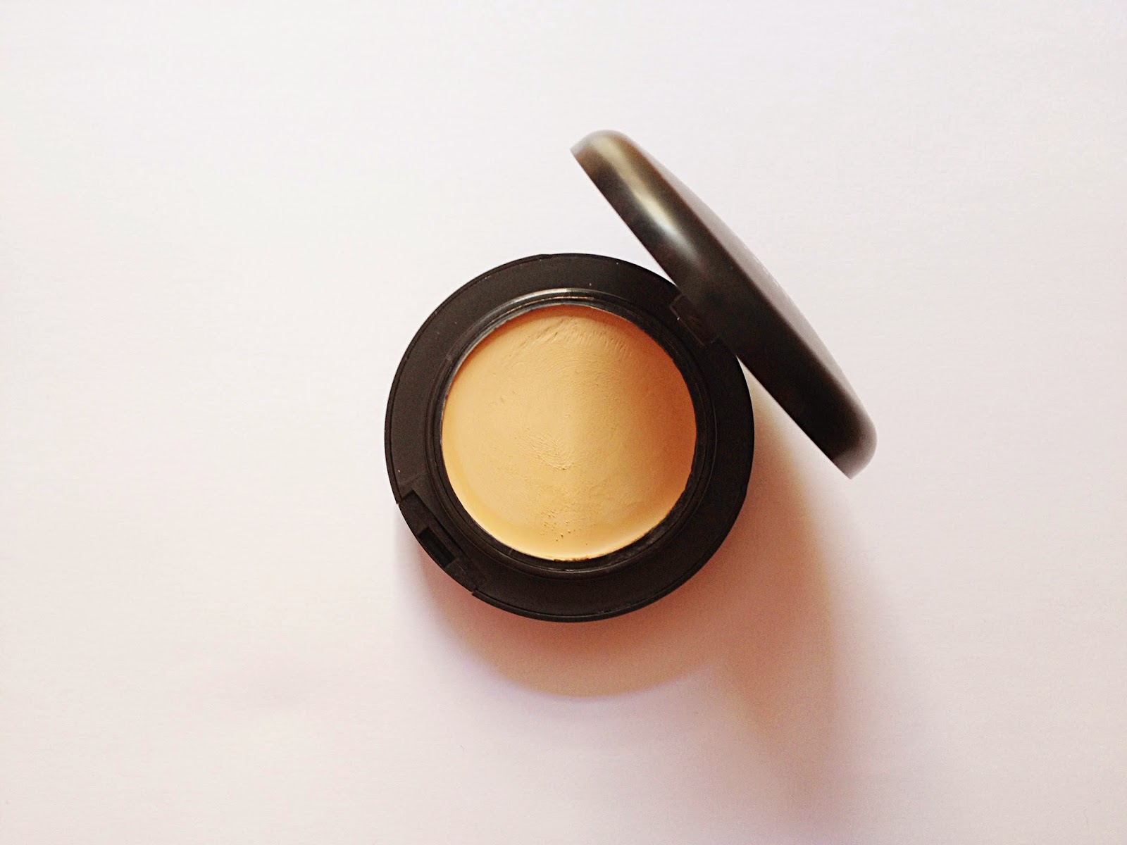 Mac Pro Longwear Compact Foundation
