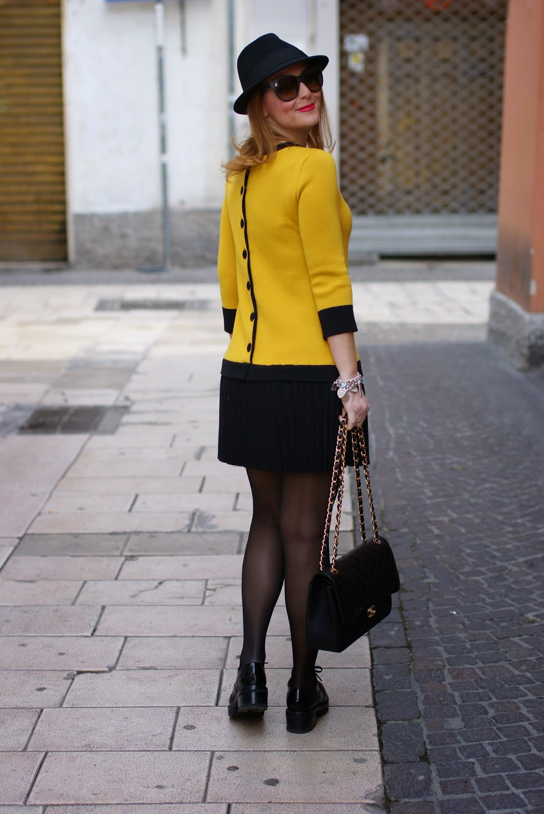 twin-set simona barbieri dress, back buttoned dress, short dress with black sheer tights, fedora H&M, Chanel 2.55 classic flap, Fashion and Cookies fashion blog, fashion blogger