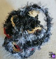 Sac boule sac a main en ficelle agricole et laine .recyclage.