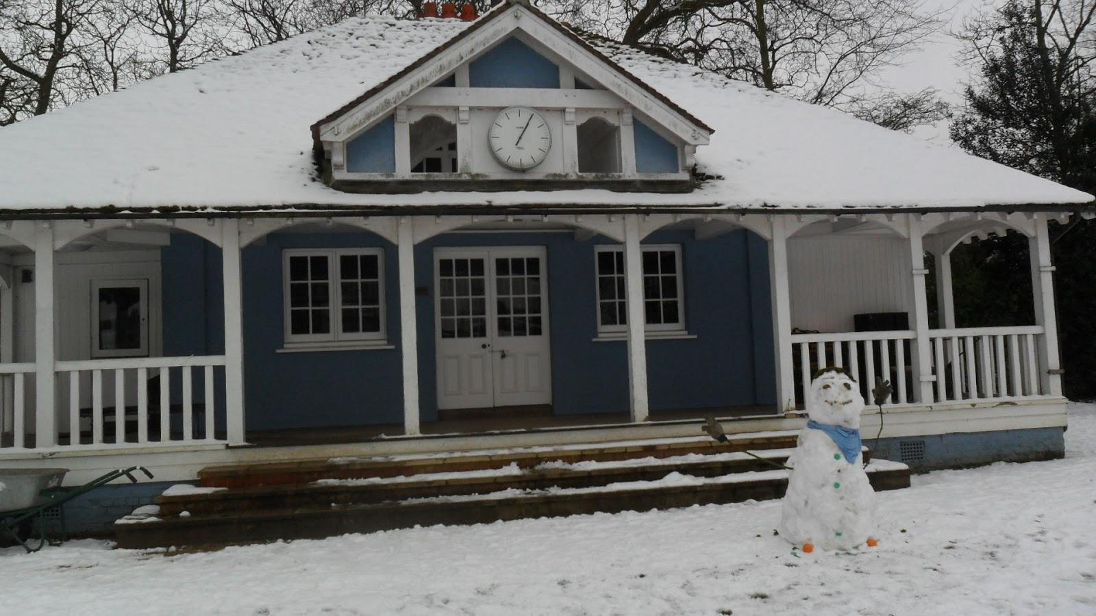 Worcester College Gardeners Three Snowmen