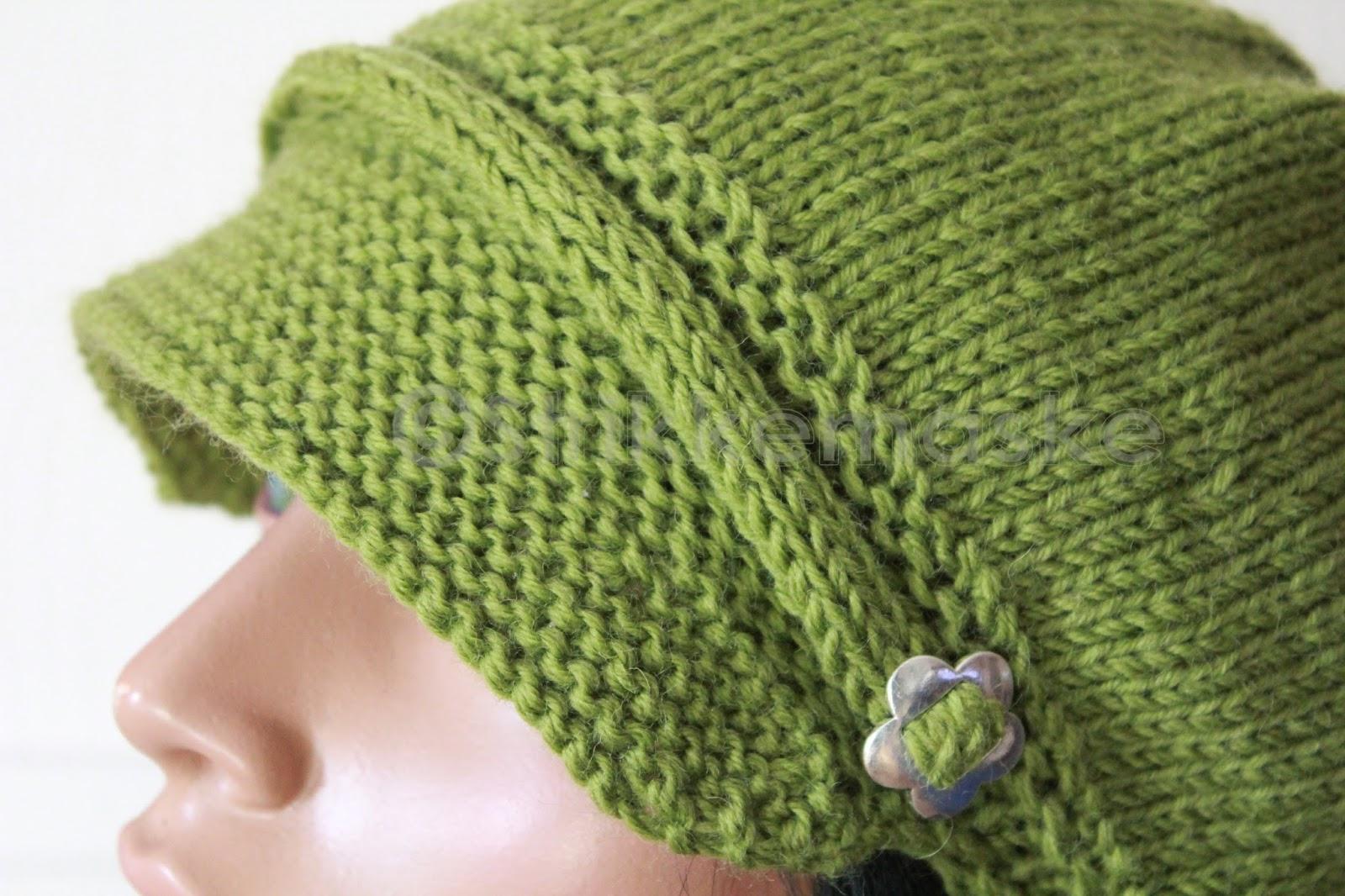 Grønn bøllehatt med rillestrikket hals