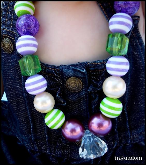 chunky dress-up necklace