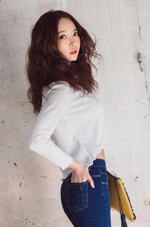 Park Soo Yeon Casual Beauty