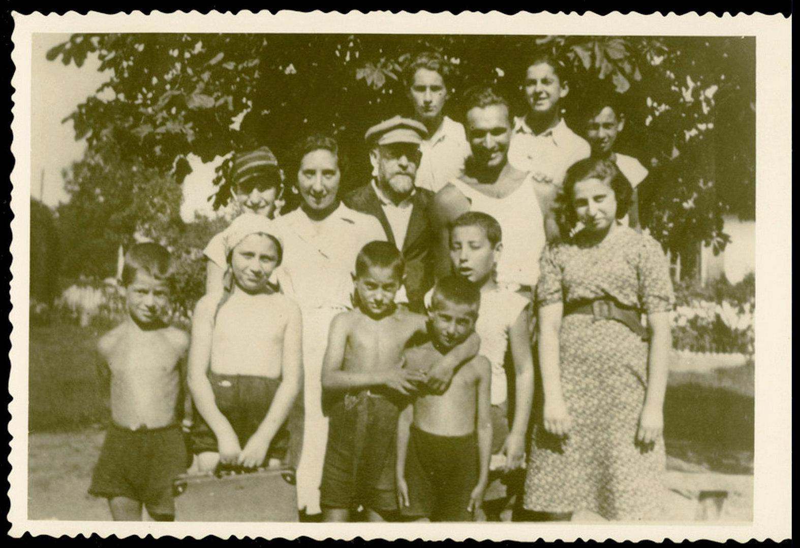 Еврейские дети в газовых камерах фото