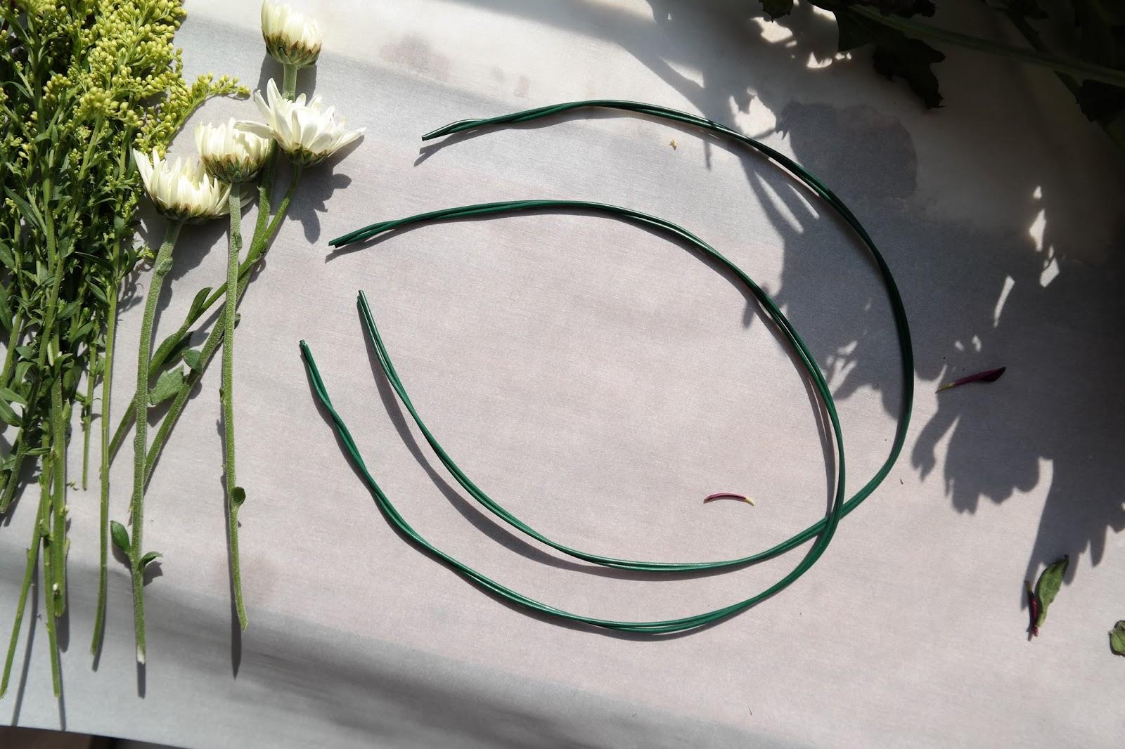 LAPIS DARLING: Flower Crown (With Real Flowers) | DIY