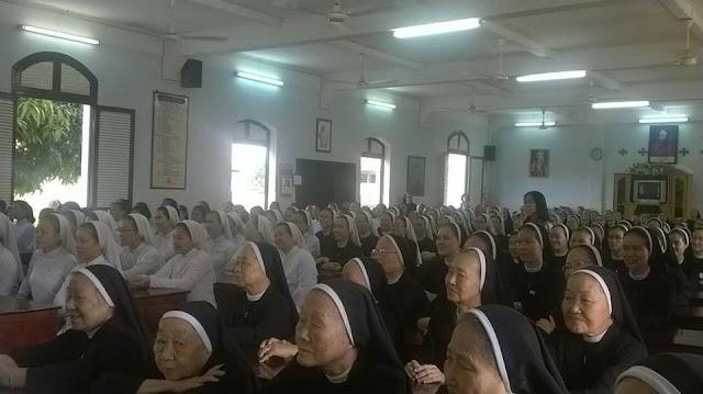 Bà con cùng cầu nguyện cho các dì dòng MTG Thủ Thiêm