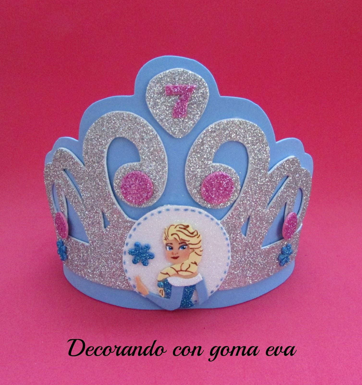 Decorando con goma eva cartel y corona para cumplea os de for Decoracion de goma eva para cumpleanos
