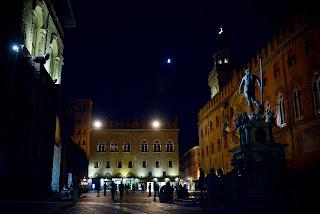 op zoek naar italie, reizen, piazza maggiore