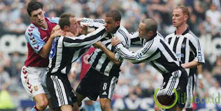 Lee Bowyer dan Kieron Dyer