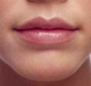 Üst ve alt dudak volümleri eşit
