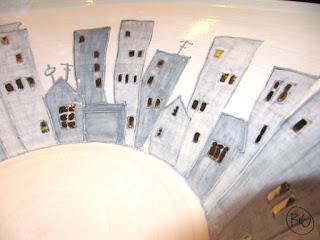 stor keramikskål med hus
