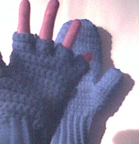 Free Crochet Pattern Ladies Mittens : Sues Free Patterns: CROCHETED MITTENS / FINGERLESS GLOVES ...