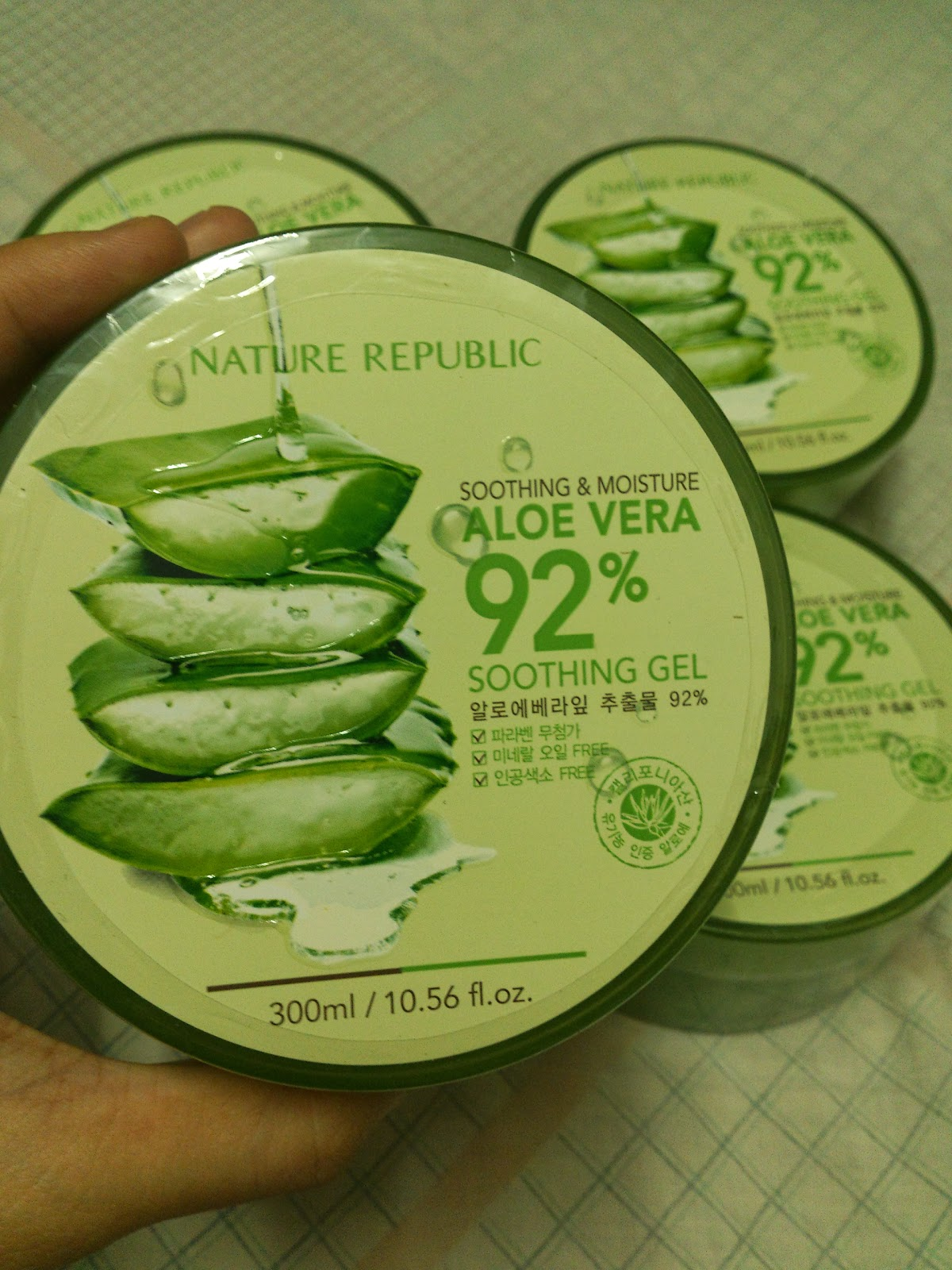 Nature republic soothing and moisture aloe vera 92 soothing gel 300ml - It Containing 92 Real Aloe That Calms And Moisturizes Our Skin With Mild Feeling And Quick Absorption High Absorbency Moisturizing