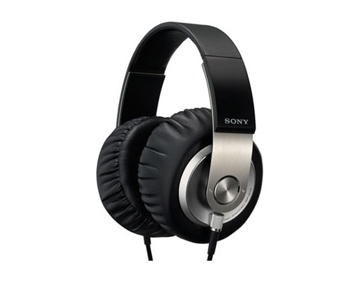 The PC Tech, Gadget, and Headphone Hub: Sony MDR-XB700 Review