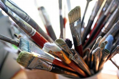 19 Things every DIYer should own- assortment of brushes. Clever nest