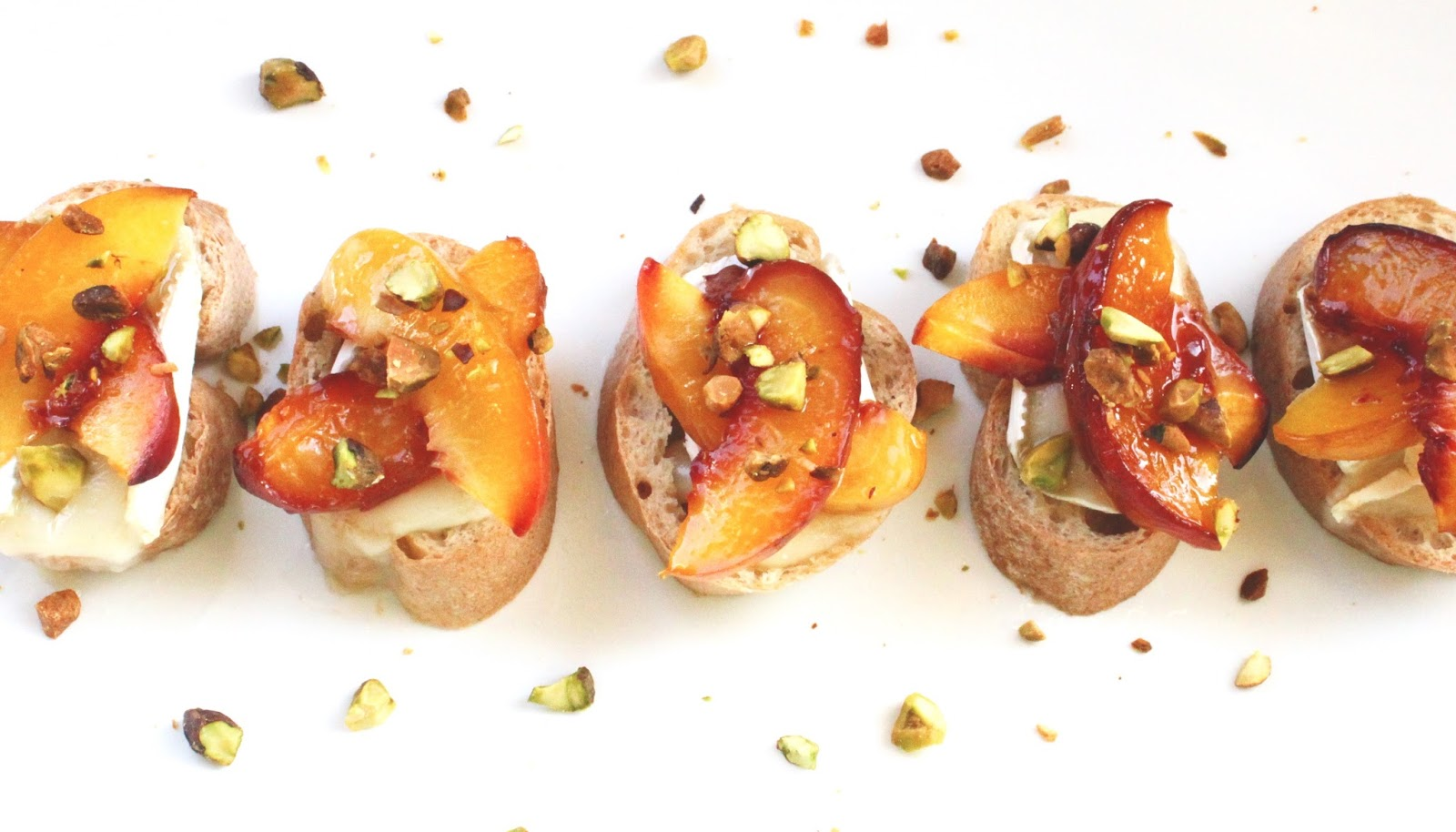 ... Things Grow: Chew on This | Honey Roasted Peaches and Brie Crostini