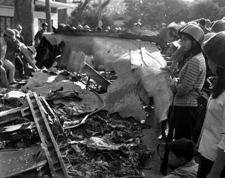 Hanoi christmas bombing life in commute twelve days of bombing