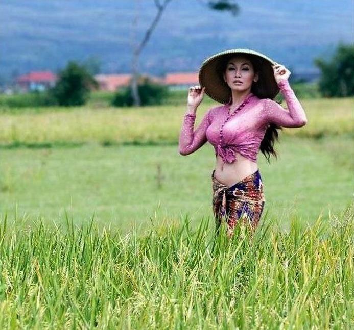 Foto Cewek Perawan Desa Cantik dan Seksi