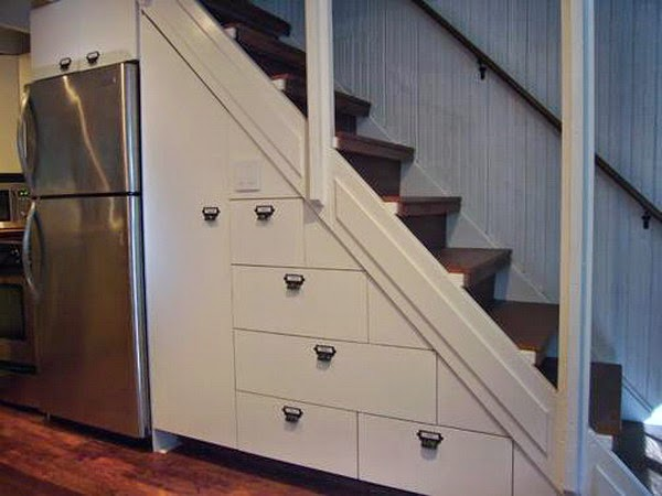 como utilizar el espacios debajo de escaleras