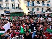 Egipto: La plaza exige la salida de la Junta militar